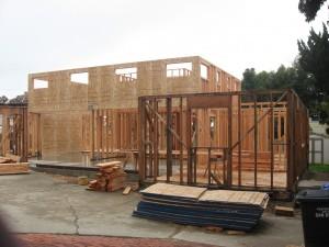 Дома здесь строят из какой-то фигни