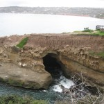 Прибрежная пещерка