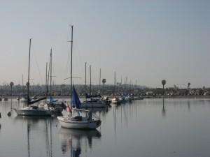 Отличная погода для катания на яхте (если она оборудована веслами)