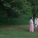 В парке студенты ставят театральные постановки