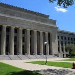 Университетское здание неопознанного факультета