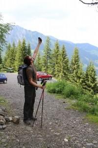 В горах телефон иногда не ловит сигнал