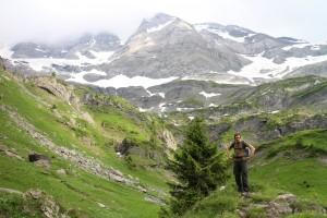 В горах люди дичают