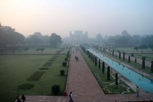 Вид с Тадж-Махала на ворота