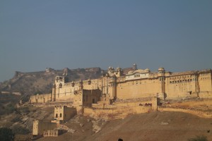 А вот сверху ещё и форт Джайгарх