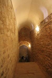 Имеются в форте и подземные п