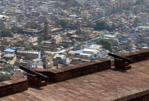 Центральная площадь города и башня с часами