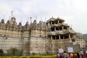 Весь храм в кадр не влез